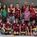 Minivolley: Pallavolo Novaggio / Bedigliora. La squadra di minivolley con l'allenatrice Daria Petronio e il Presidente Severo Mattinelli.